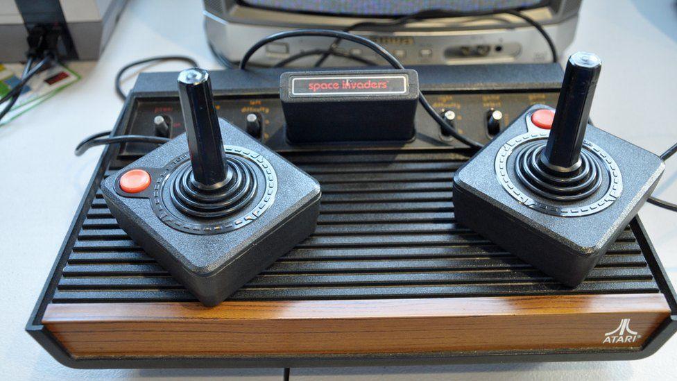 Atari Old Console